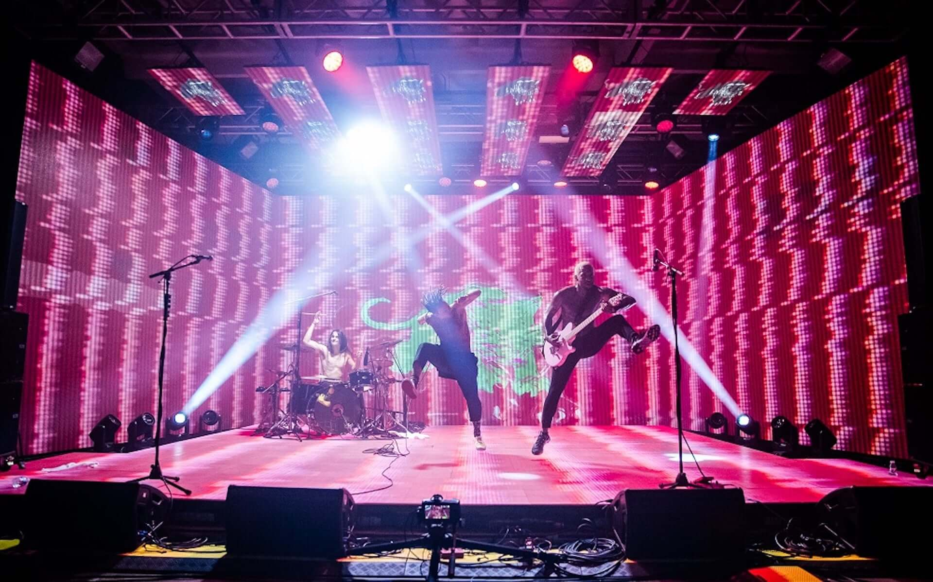 <FUJI ROCK FESTIVAL 2018>で初来日を果たしたFEVER 333が日本向けバーチャルライブツアーを明日開催!最新EPも配信中 music201026_fever333_5-1920x1198