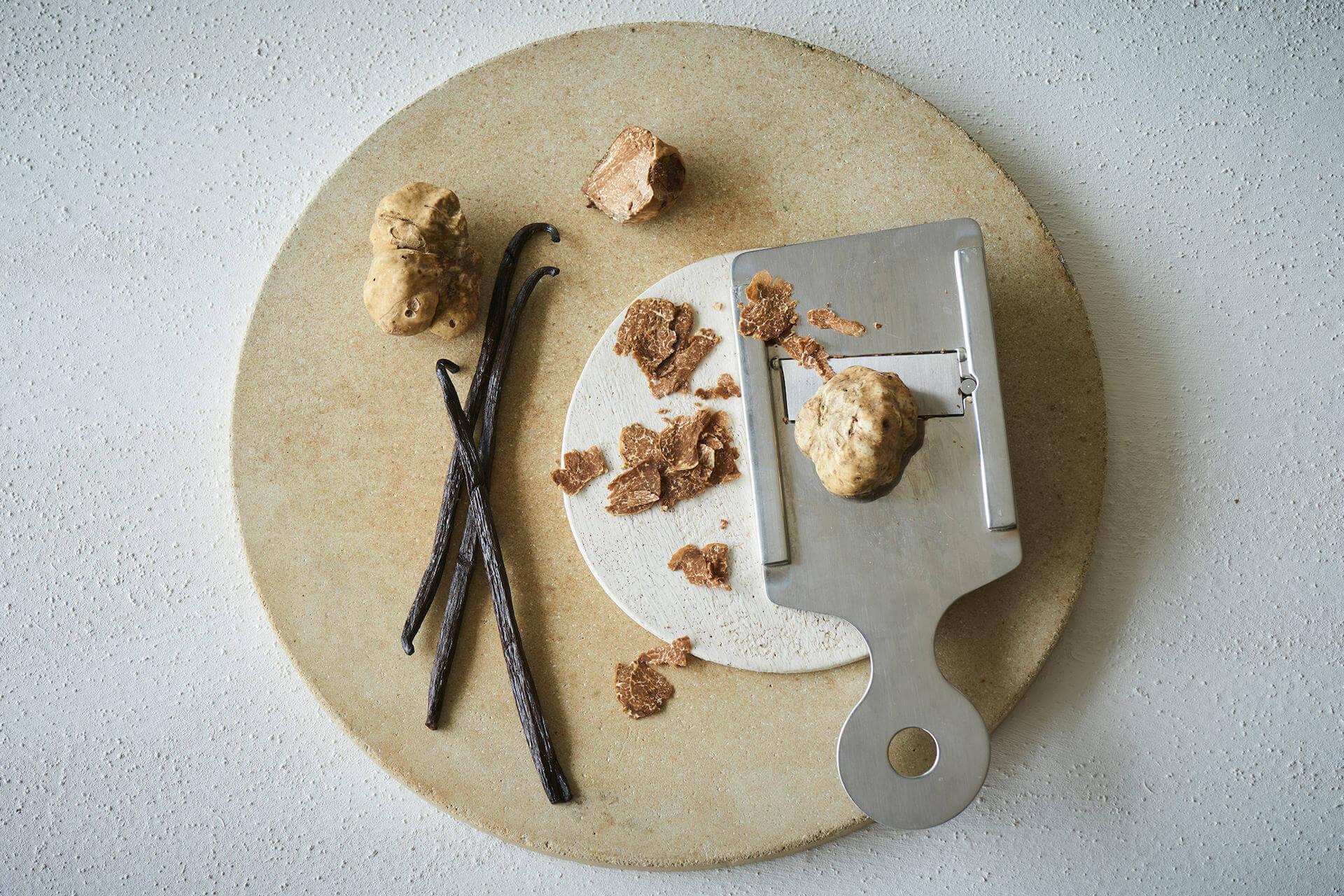 """売り切れ必至のMr. CHEESECAKE新商品が受注生産販売決定!高級食材""""白トリュフ""""を使った高価なチーズケーキ gourmet201027_mrcheesecake_1"""