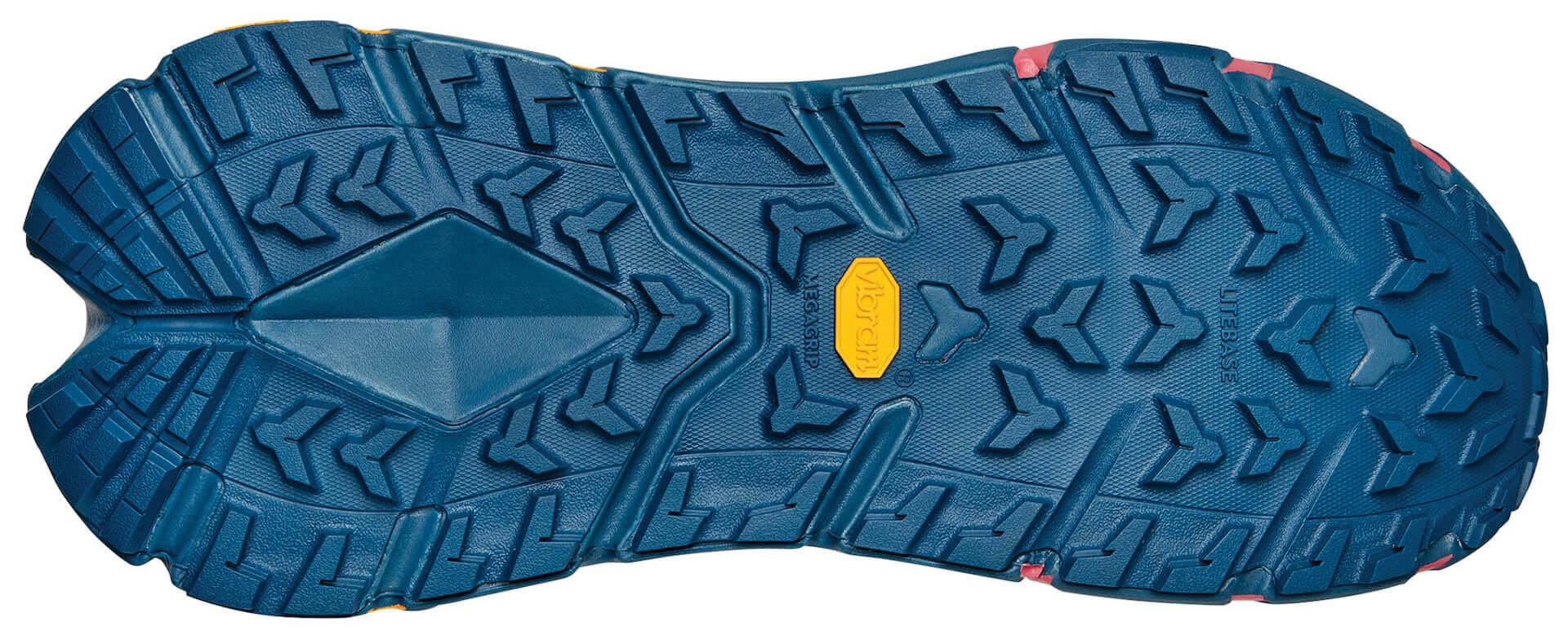 HOKA ONE ONEが防水ハイキングブーツ『TenNine Hike GTX』を発表!リサイクル繊維素材を使用&「GORE-TEX」も搭載 lf201029_hokaoneone_4-1920x773