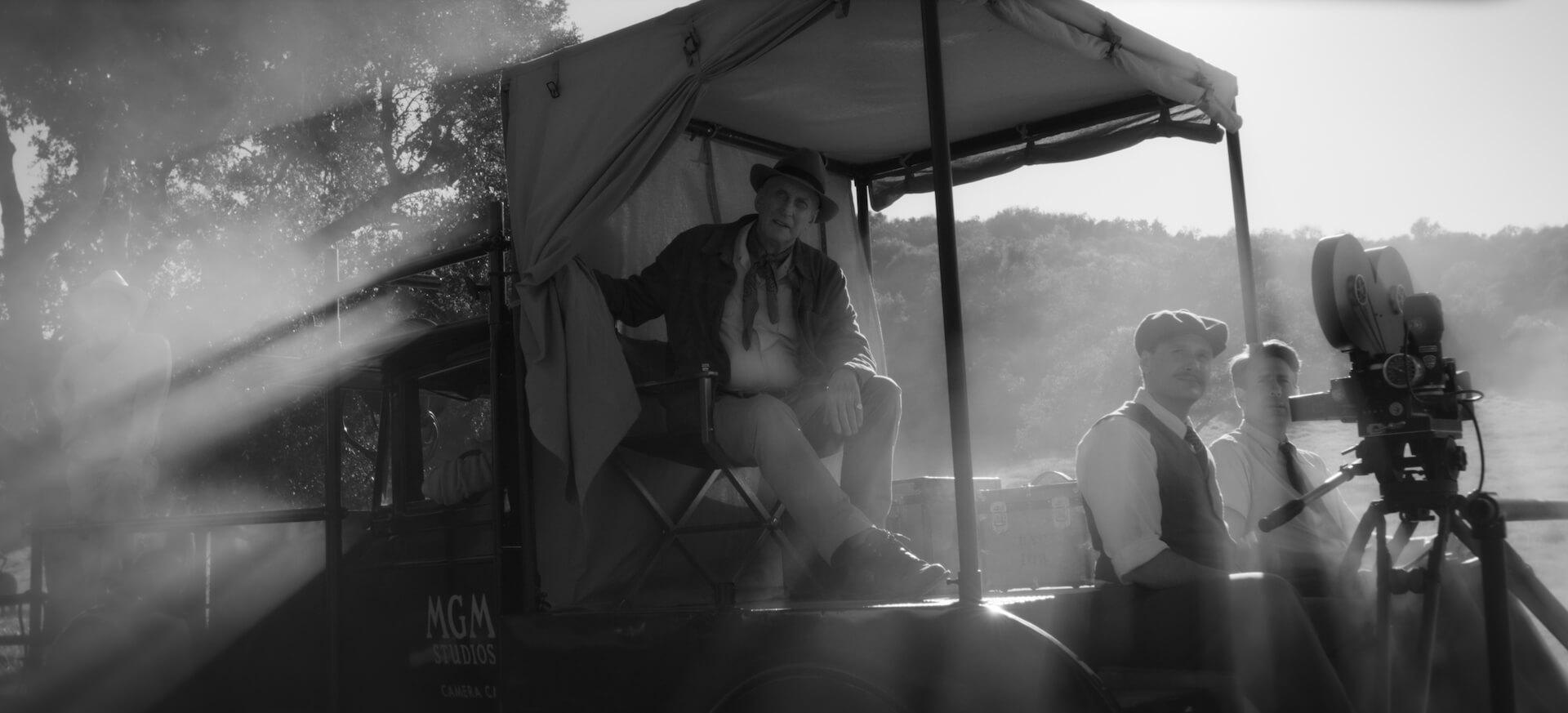 デヴィッド・フィンチャー×ゲイリー・オールドマンで注目のNetflix『Mank/マンク』が全国各地の映画館で上映決定!モノクロで統一された場面写真も解禁 film201104_mank_4
