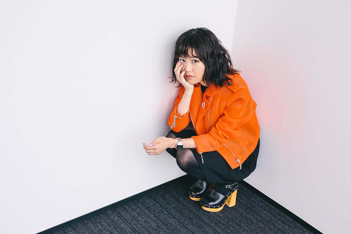 シンガーソングライター・Reiが最新作『REI』のアートワークに込めた意味とは? interview_guitarei_1811_1-1200x800