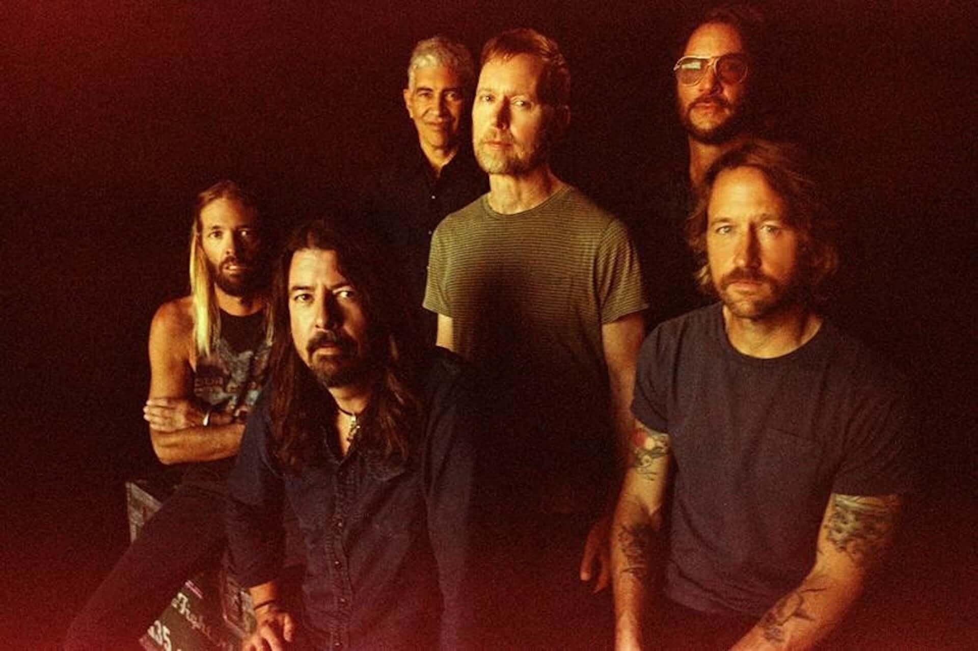 """Foo Fightersが名門ライブハウス「ロキシーシアター」よりオンラインライブを開催決定!新曲""""Shame Shame""""のMVも解禁 music201111_foofighters_2-1920x1278"""