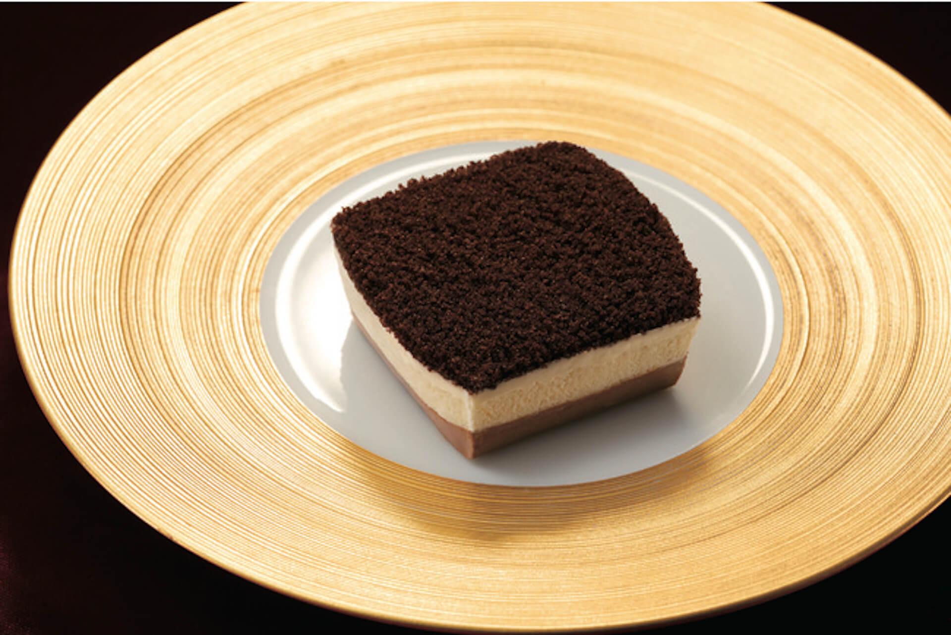 """ファミリーマートの""""新感覚チーズケーキ""""「ショコラチーズケーキ」と「プリン!?なチーズケーキ」が10日間で200万食達成! gourmet201113_familymart_1"""