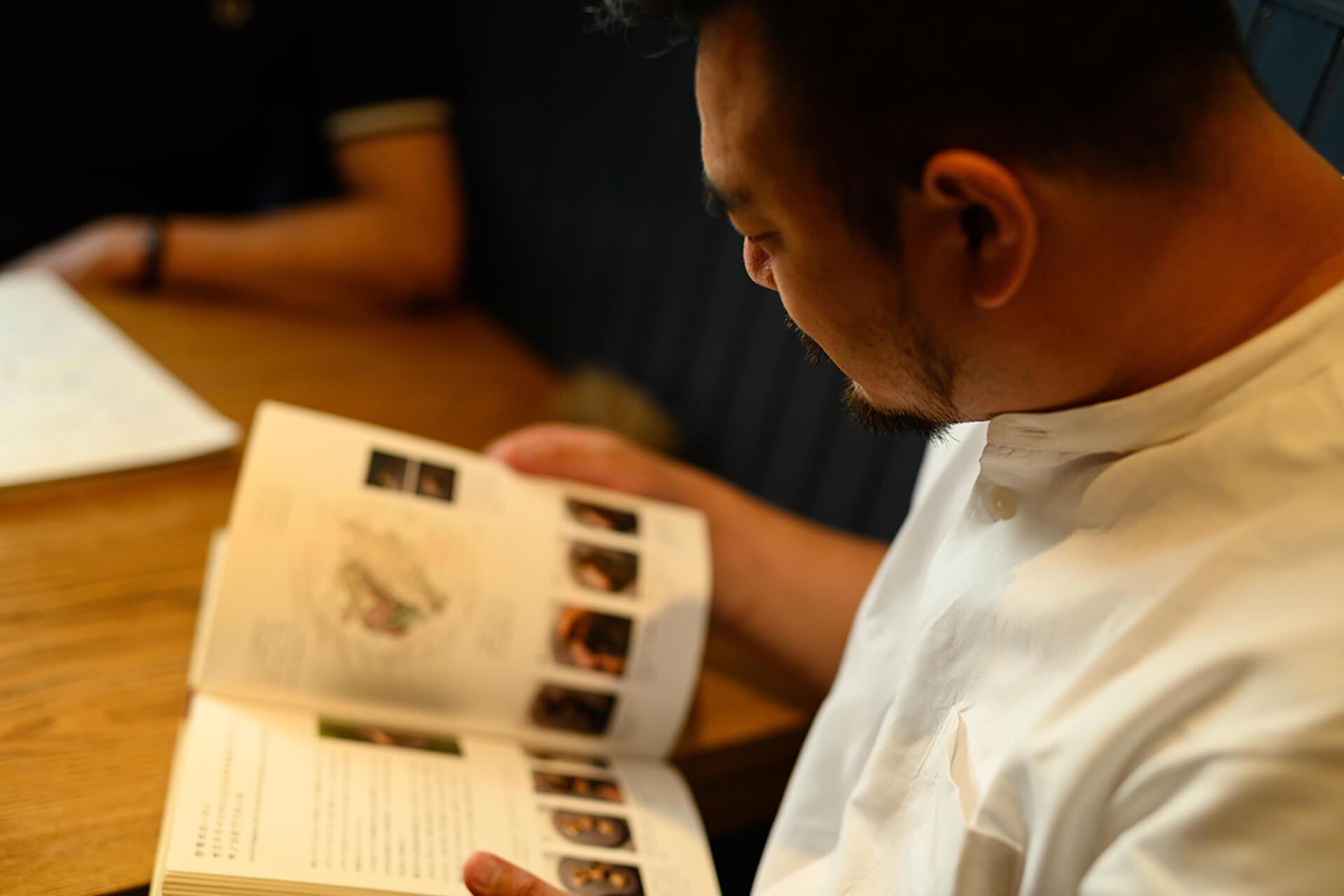 代々木上原の人気レストラン『sio』のオーナーシェフ鳥羽周作氏が語る、料理業界にかける熱い思い gourmet201119_mondoalfa_sio_8
