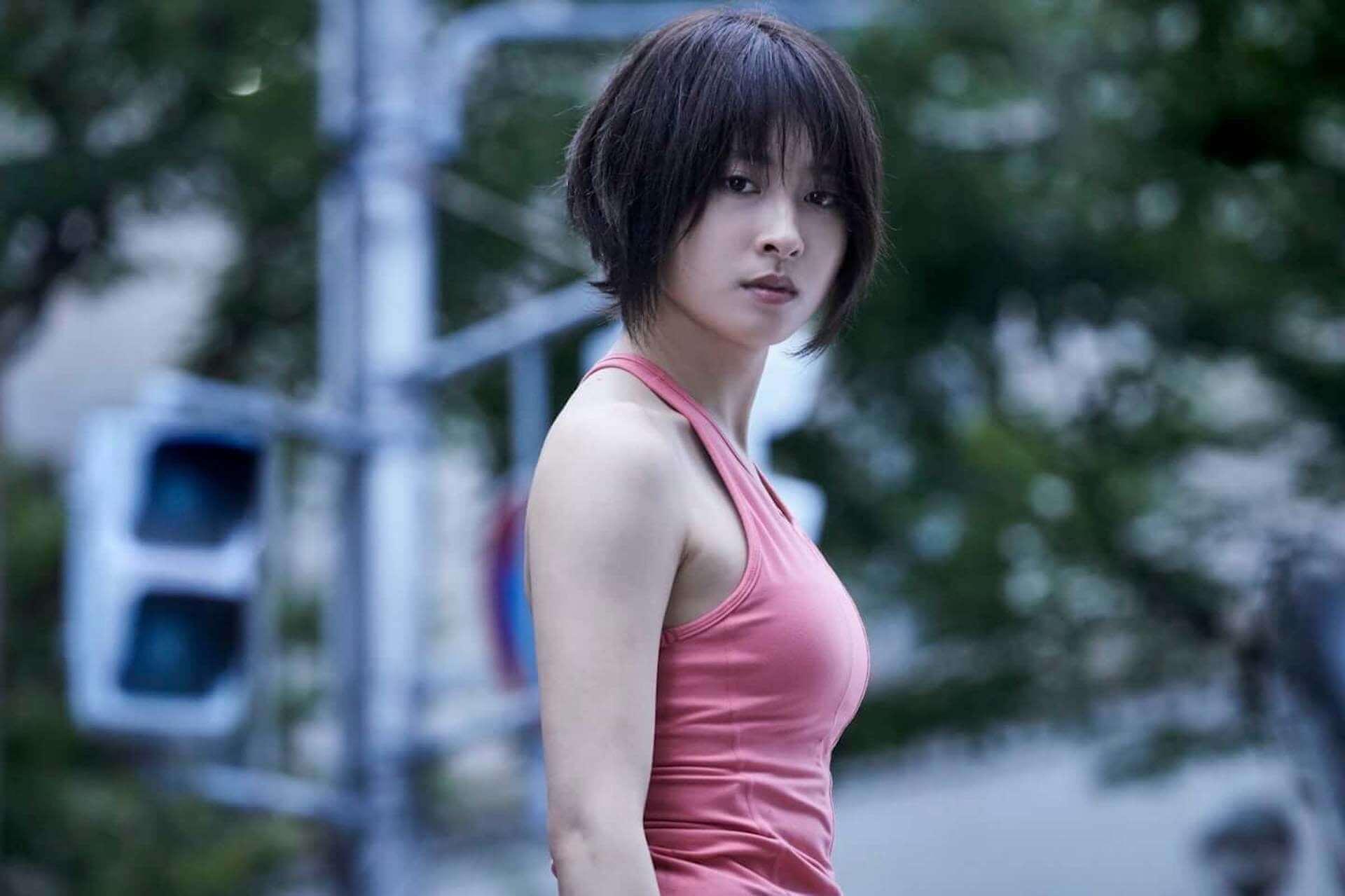 山﨑賢人演じるアリスが「おにごっこ」で遭遇した人物とは…Netflixオリジナルシリーズ『今際の国のアリス』本編映像が解禁 art201125_netflix-alice_7-1920x1279