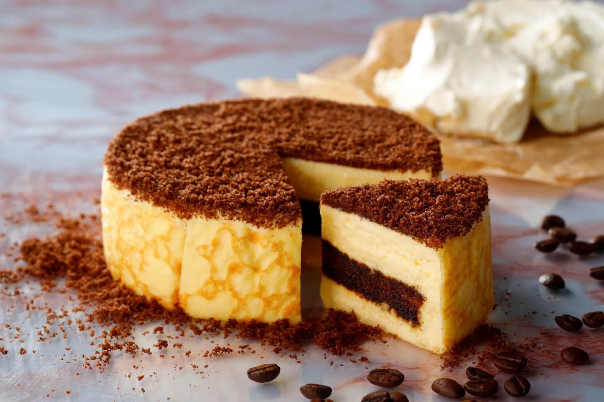 東京ミルクチーズ工場から冬季限定の『ミルクチーズケーキ ティラミス』が登場!濃厚チーズを引き立たせるココアスポンジ生地が特徴 gourmet20201029_tokyomilkcheese_1