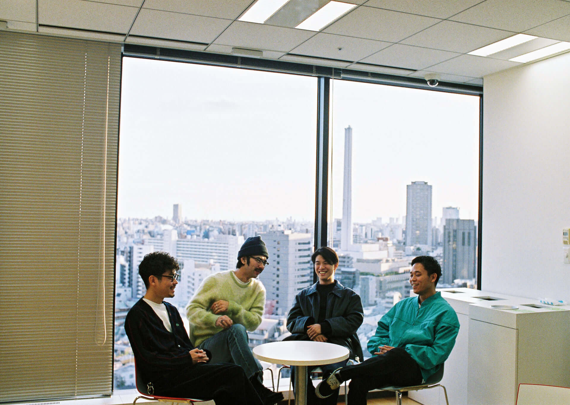 Yogee New Wavesが『to the MOON e.p.』に込めた想いと国境を超えた先にあるもの interview-yogee-21-1920x1363
