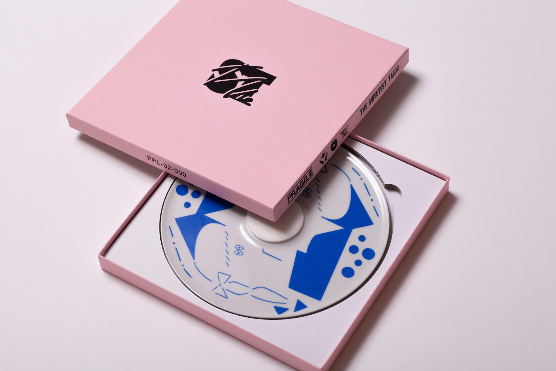 インタビュー:PEOPLEAP『THE SWEETEST TABOO』シリーズ Vol.3 killdisco art201201_peopleap_killdisco_09