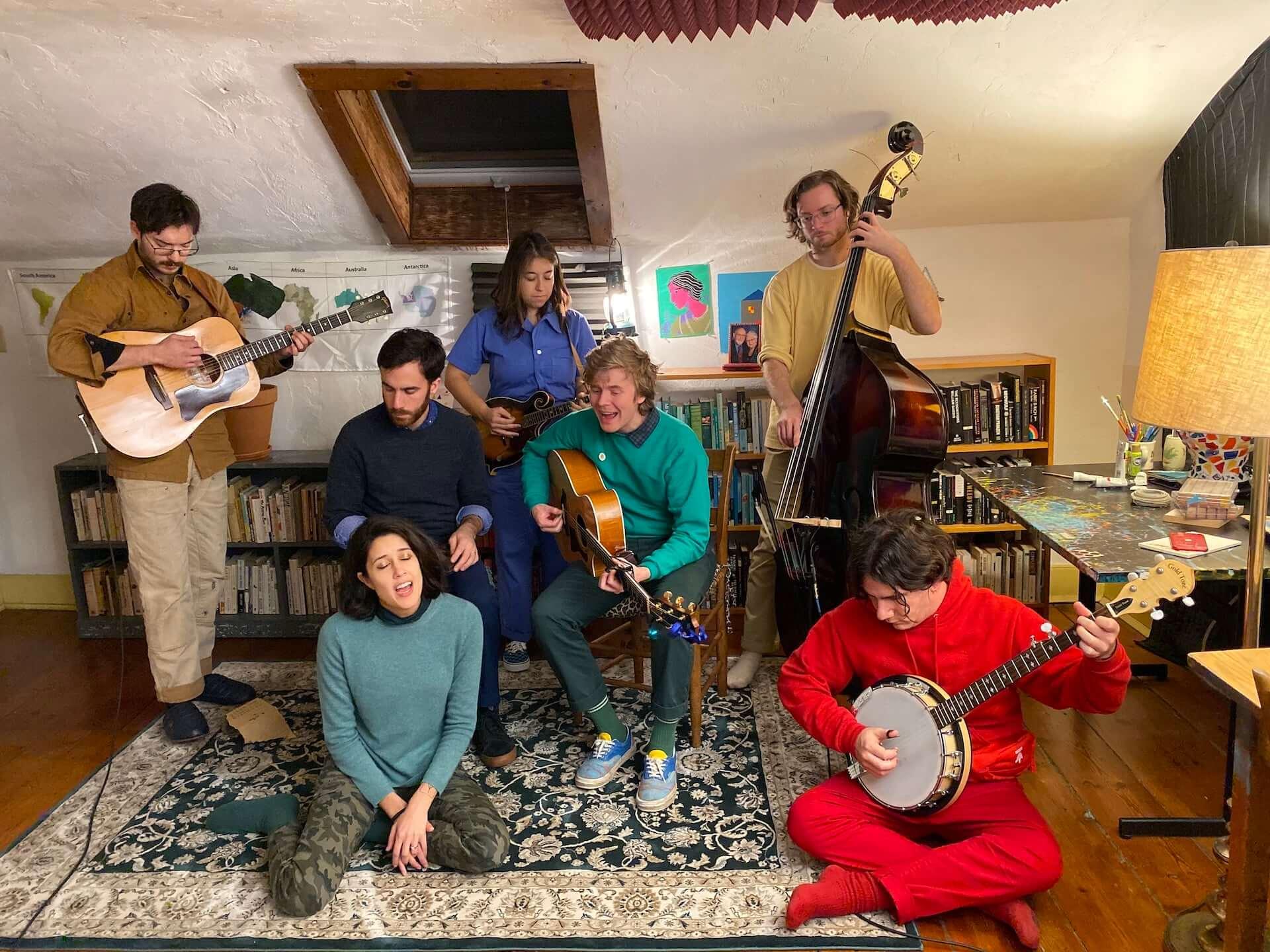 Pinegrove初のスタジオ・ライブ・ベスト盤『Amperland, NY』が発売決定!Half Waifとして知られるNandi Roseもフィーチャー music201204_pinegrove_1-1920x1440