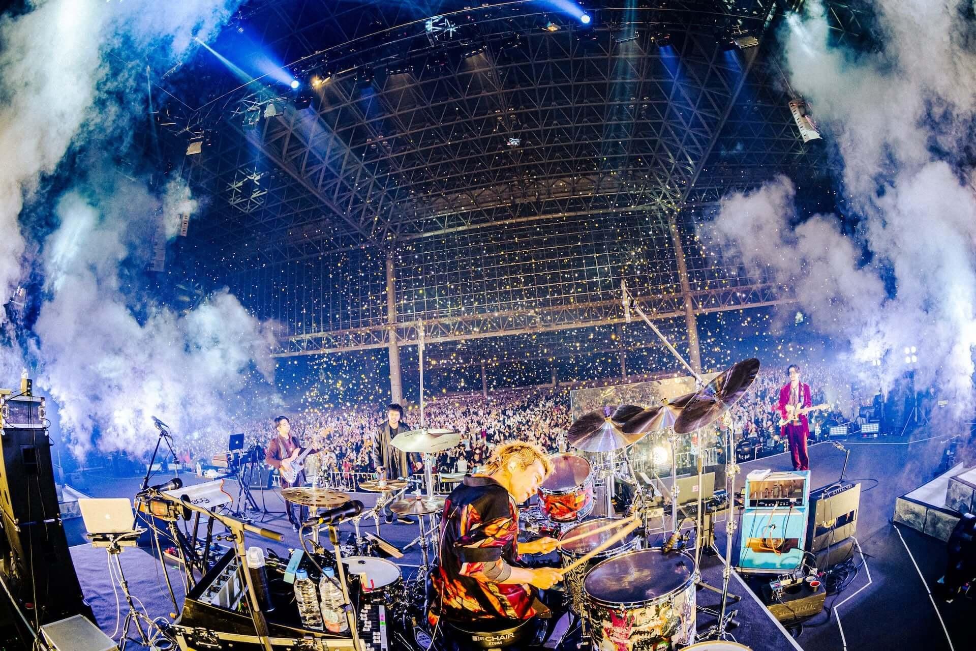 """King Gnu初のアリーナツアー、幕張メッセでは新曲""""千両役者""""も披露!ファイナル公演のライブレポートが到着 music201207_kinggnu_3-1920x1280"""