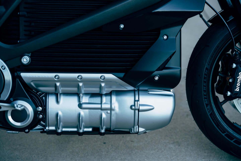 ユアン・マクレガー、チャーリー・ブアマンが駆るハーレー初の電動スポーツバイク「LiveWire®」、道なき道を征く100日間2万キロの旅 art201208_harley-05-1440x961