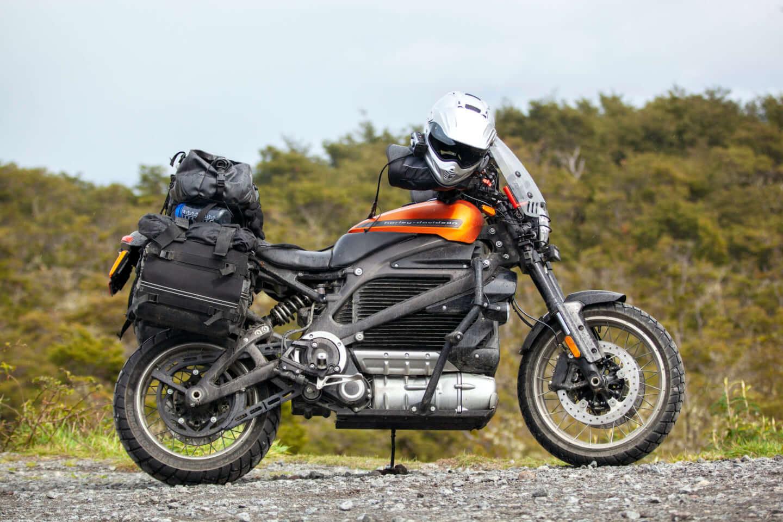ユアン・マクレガー、チャーリー・ブアマンが駆るハーレー初の電動スポーツバイク「LiveWire®」、道なき道を征く100日間2万キロの旅 art201208_harley-07-1440x960