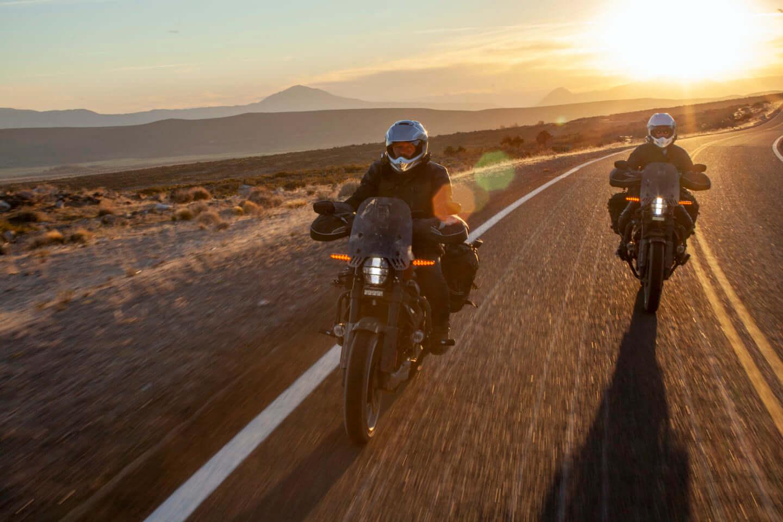 ユアン・マクレガー、チャーリー・ブアマンが駆るハーレー初の電動スポーツバイク「LiveWire®」、道なき道を征く100日間2万キロの旅 art201208_harley-08-1440x960