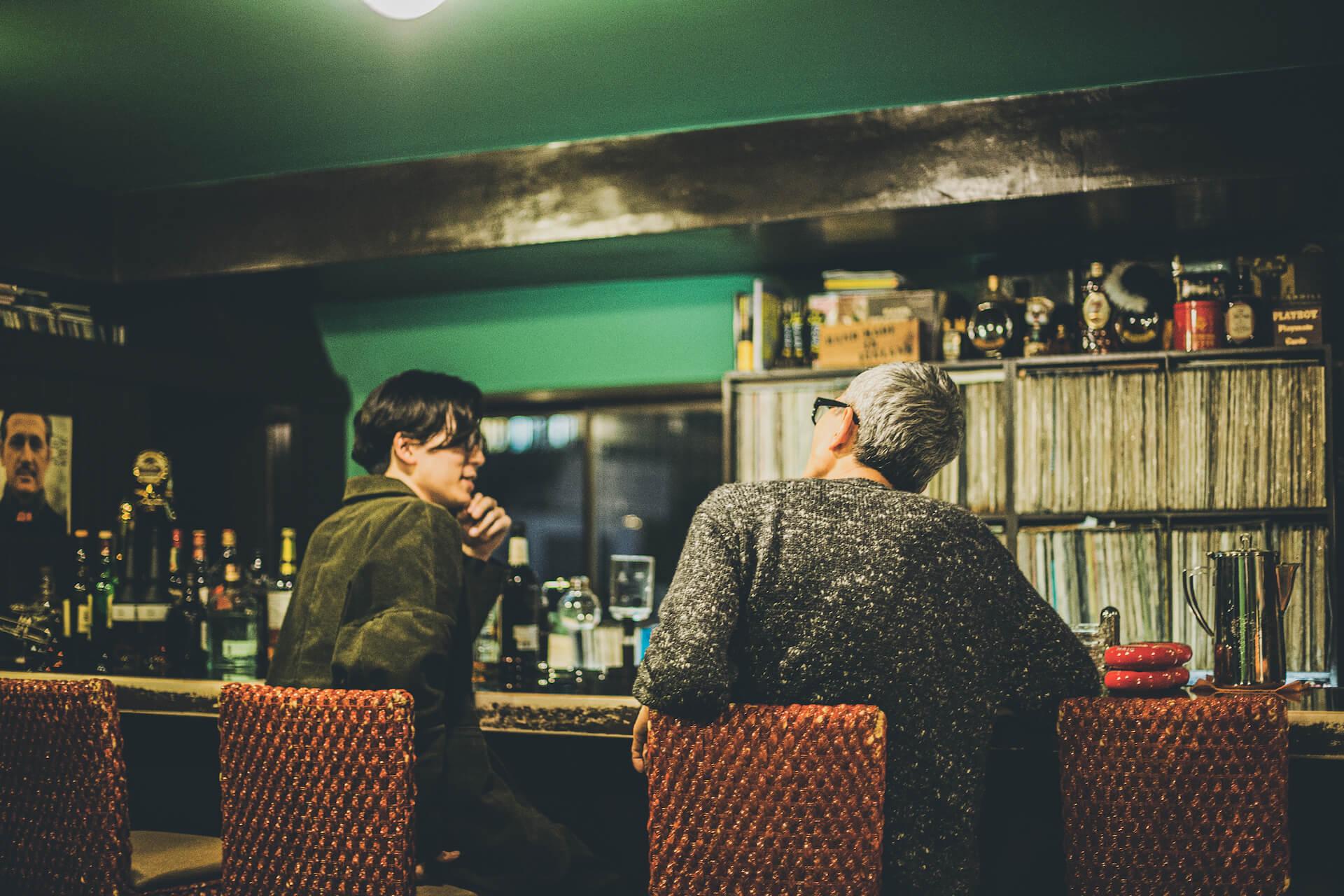 特別対談  後編:Kan Sano × 松重 豊 |配信ライブと朗読会とサブスクリプション music201210_kansano-09-1