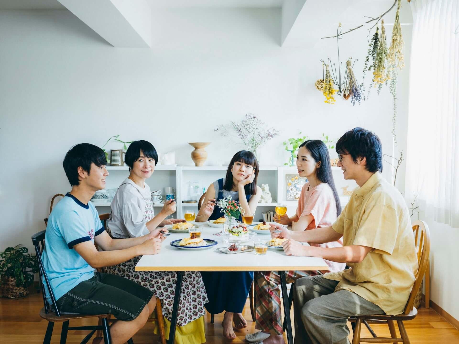 「北欧、暮らしの道具店」初の映画『青葉家のテーブル』が来年春に公開決定!市川実和子、栗林藍希ら追加キャストも発表 film201217_hokuohkurashi_2-1920x1439