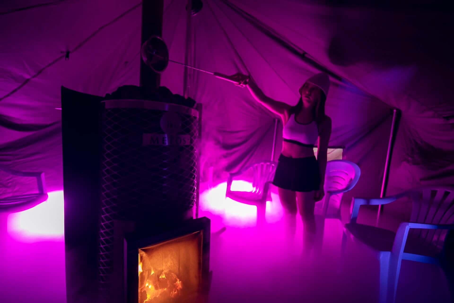 """五感で""""ととのう""""アートサウナ体験を!デートにもおすすめなテントサウナイベントが東京・有明にて開催中 lf201218_naked-sauna_6-1920x1283"""