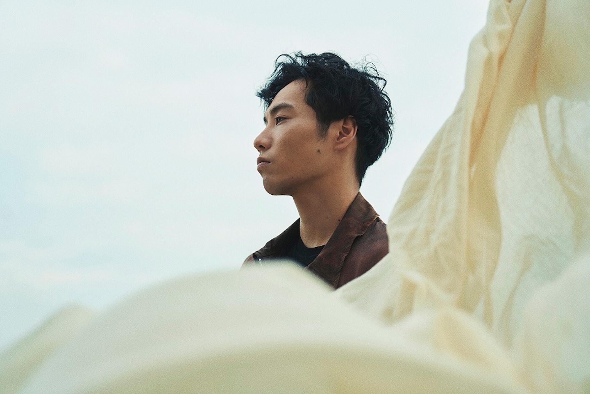 Ryohuの1st Album『DEBUT』リリースを記念したポップアップが開催決定!オカモトレイジリミックス曲付属のフーディーが登場 music201119_ryohu_debut_popup_1