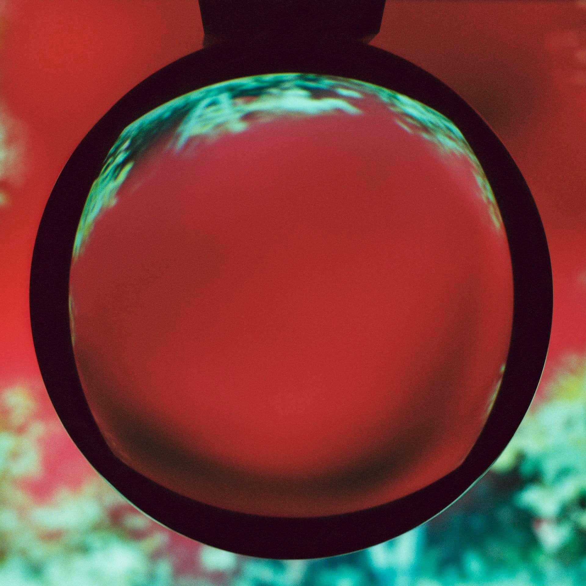 """Nicolas JaarとDave Harringtonによるデュオ・Darksideが7年ぶりの新曲""""Liberty Bell""""を公開!最新アルバムは来年春に〈Matador〉よりリリース music201222_darkside_1-1920x1920"""