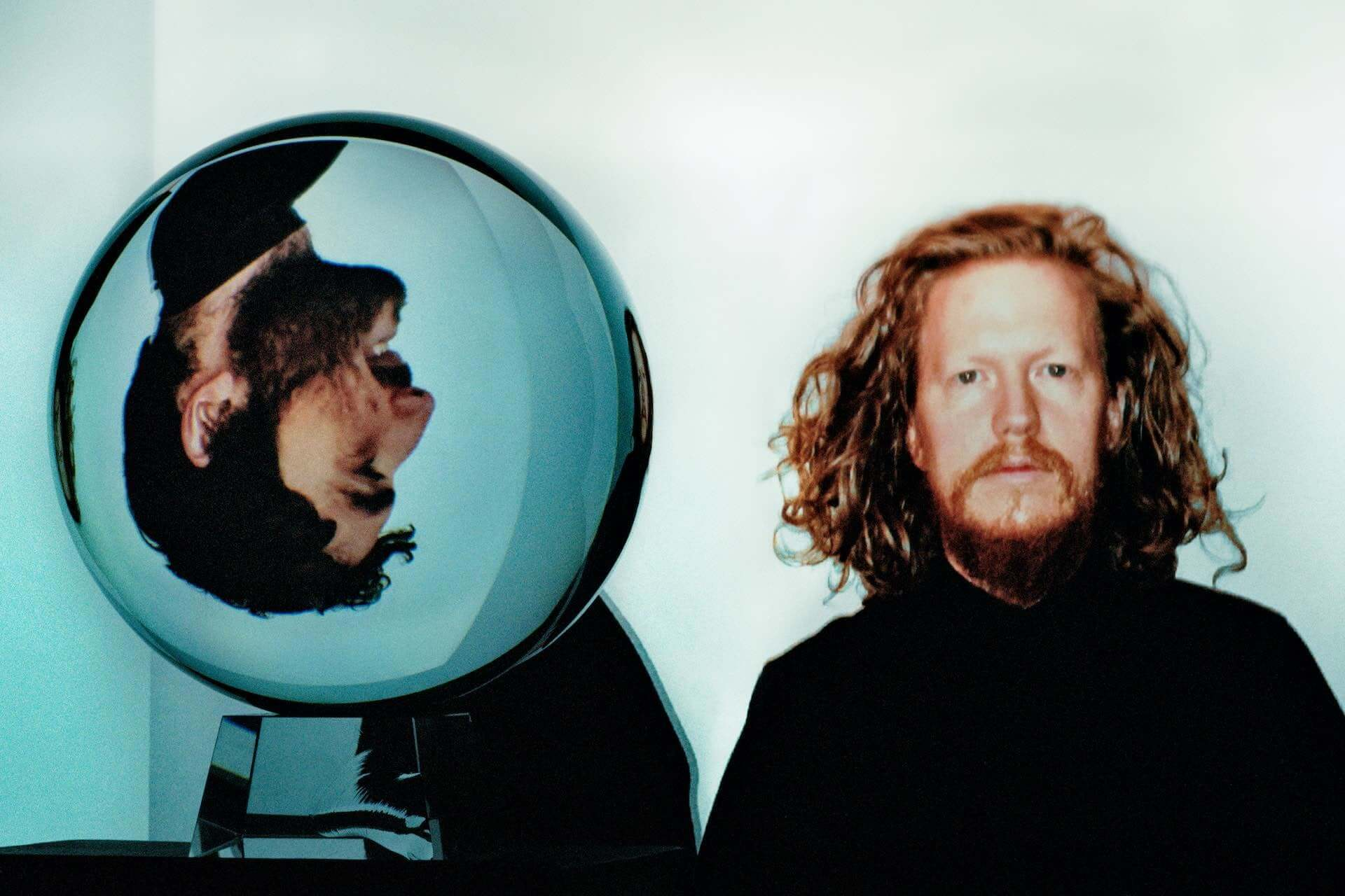 """Nicolas JaarとDave Harringtonによるデュオ・Darksideが7年ぶりの新曲""""Liberty Bell""""を公開!最新アルバムは来年春に〈Matador〉よりリリース music201222_darkside_2-1920x1280"""