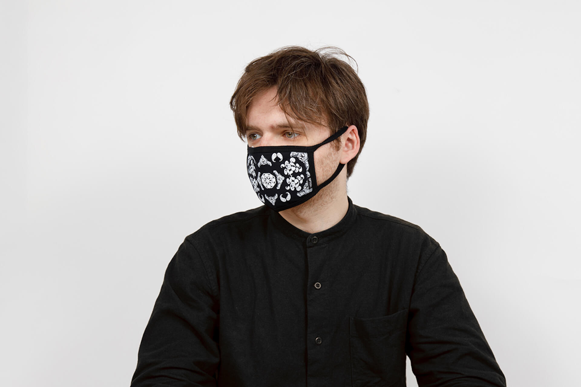 【人気アパレルブランドマスク16選】有名ブランドが続々リリースする今マストのアイテム!高機能×カッコいいマスク16選 life201224_jeep_mask_15-1