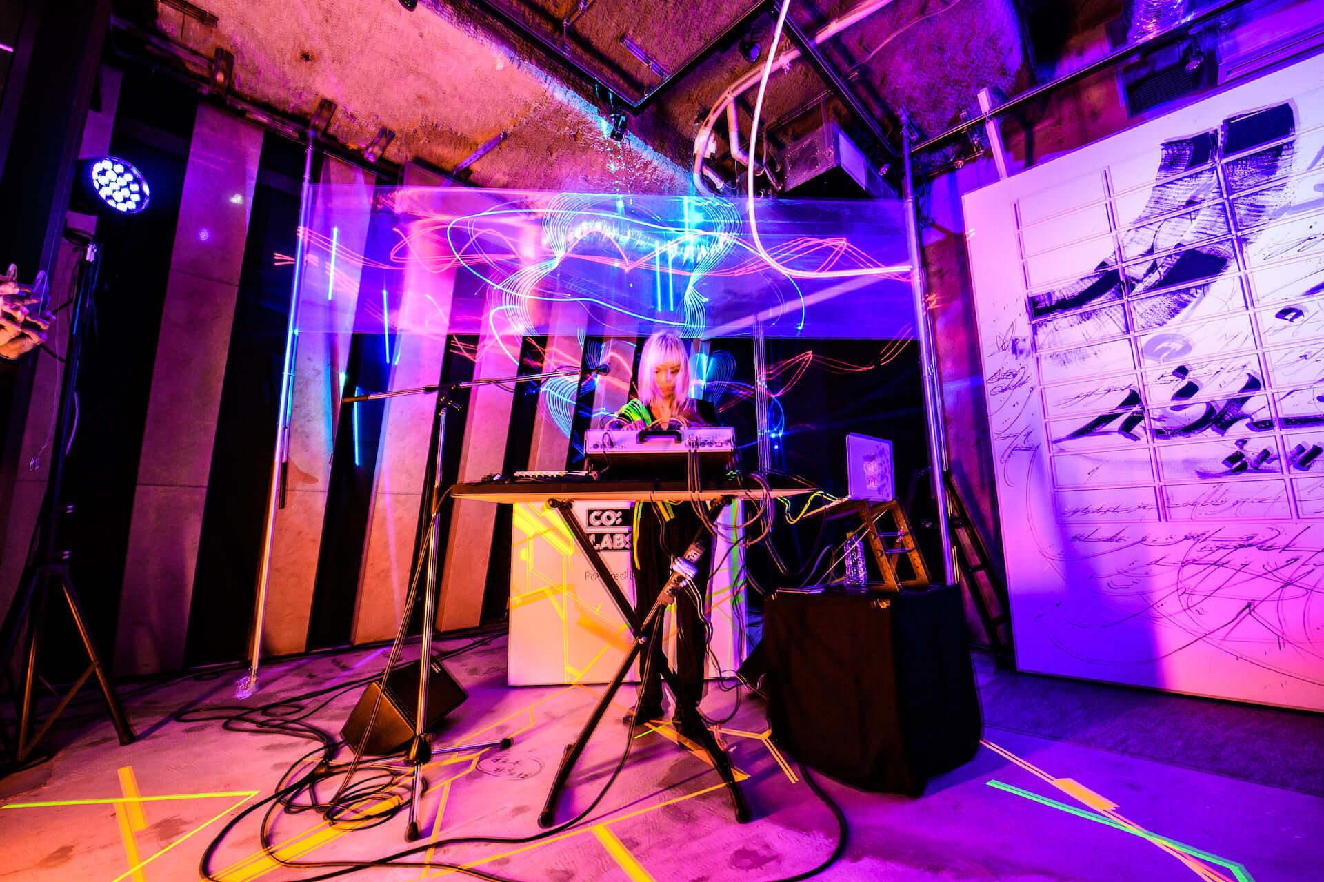 エッジィなメディア「CO:LABS」によるクリエイティブコラボパーティー<CO:LABS LIVE>に潜入! music-colabslive-5961-1920x1280