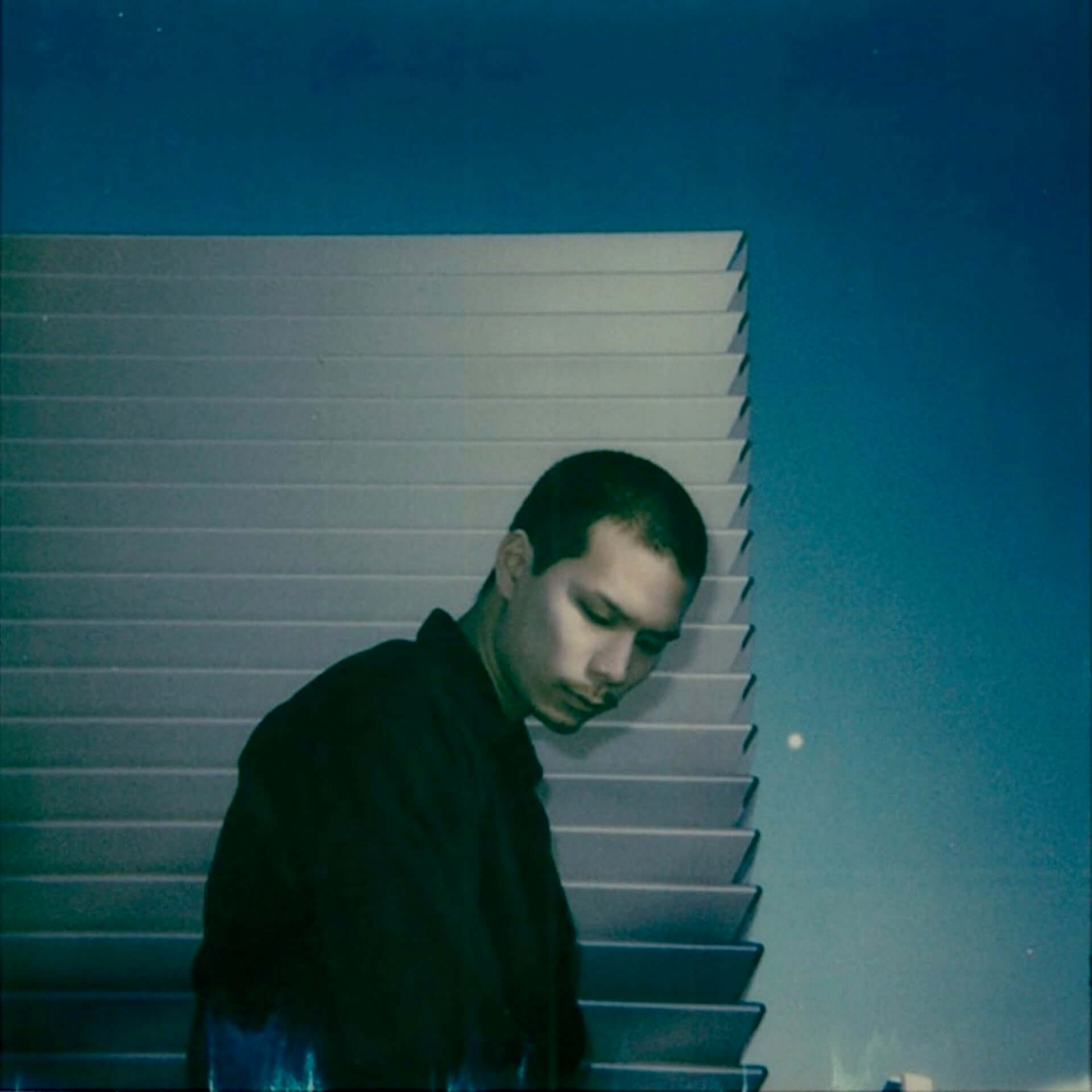 "Opus InnとMadkosmosによるコラボ曲""After Life""のMVが公開!JACKSON Kakiがディレクション music210112_opusinn-madkosmos_4-1920x1920"