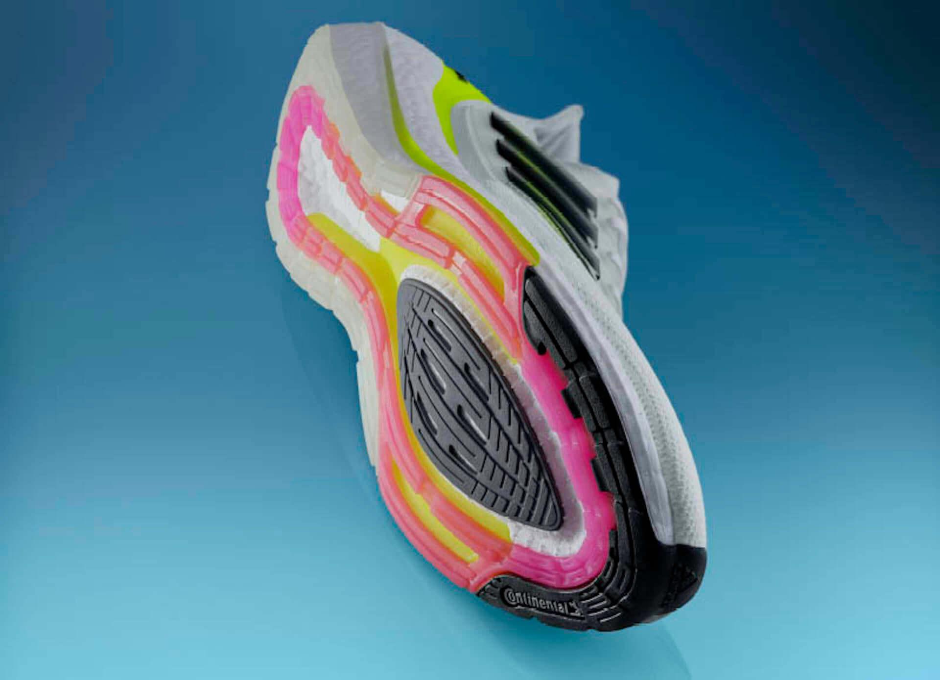 アディダスを象徴するプレミアムランニングシューズが進化!軽量性・クッショニングに優れた最新モデル『Ultraboost 21』が登場 lf210115_adidas_7-1920x1390