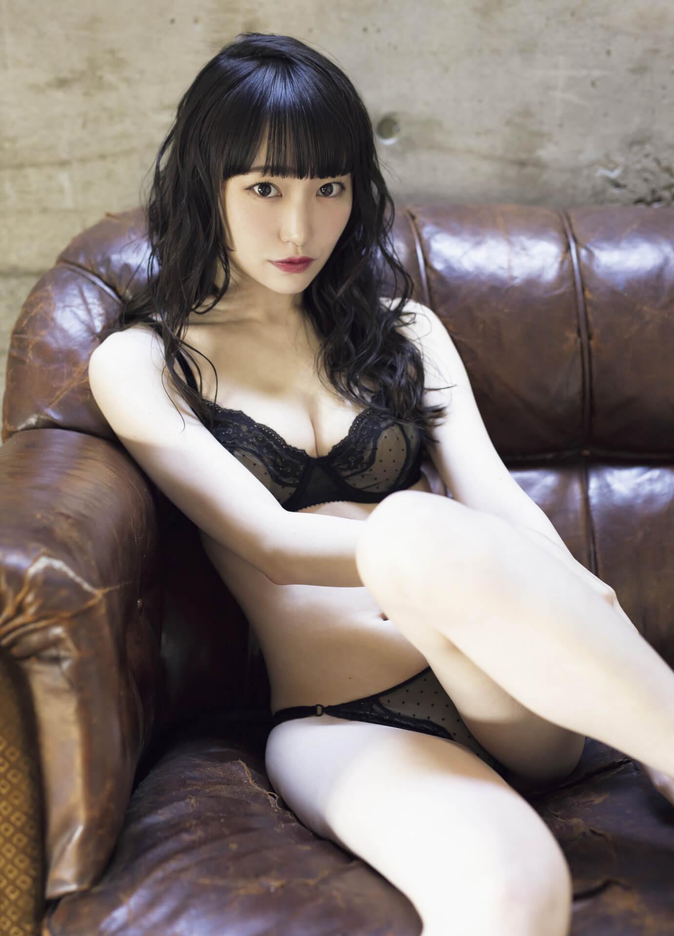 ふわふわのやわらかボディで魅了する石田桃香が『FLASH』の表紙&巻頭グラビアに登場!たっぷり10ページ掲載 art210126_flash_1