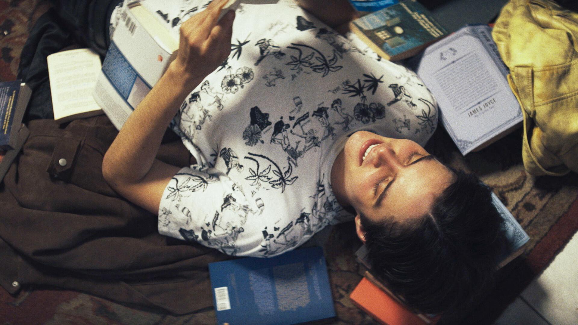 妄想スリラー『ダニエル』のサイケデリックな魅力の制作秘話を監督が語る!アダム・エジプト・モーティマーのコメント&新場面写真が到着 film210127_daniel_7