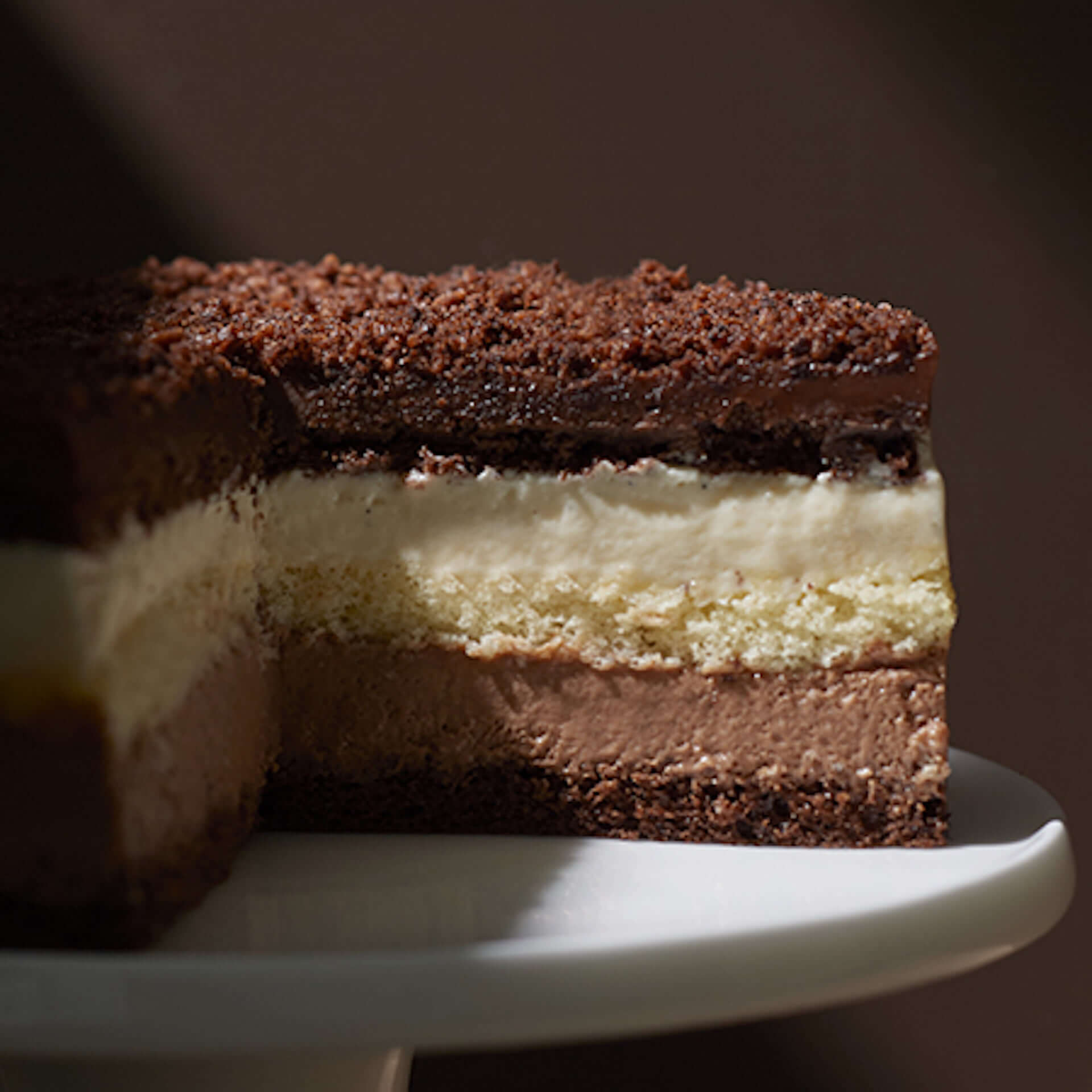 豪華7層のチョコレートケーキ『クーシュドショコラ』が小樽洋菓子舗ルタオから登場!バレンタイン期間限定で販売中 gourmet210128_letao_2-1920x1920