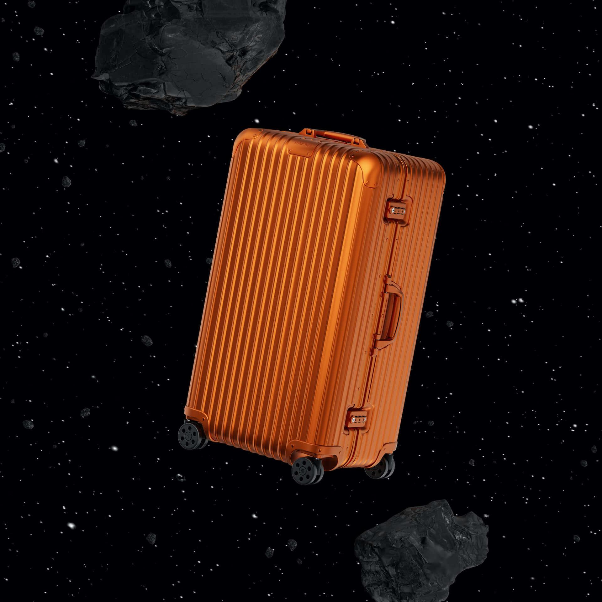 RIMOWAを代表するアルミニウム合金製スーツケースの新色が発売決定!銀河から着想を得たオレンジ、ミディアムグレーが登場 tech210202_rimowa_2-1920x1921