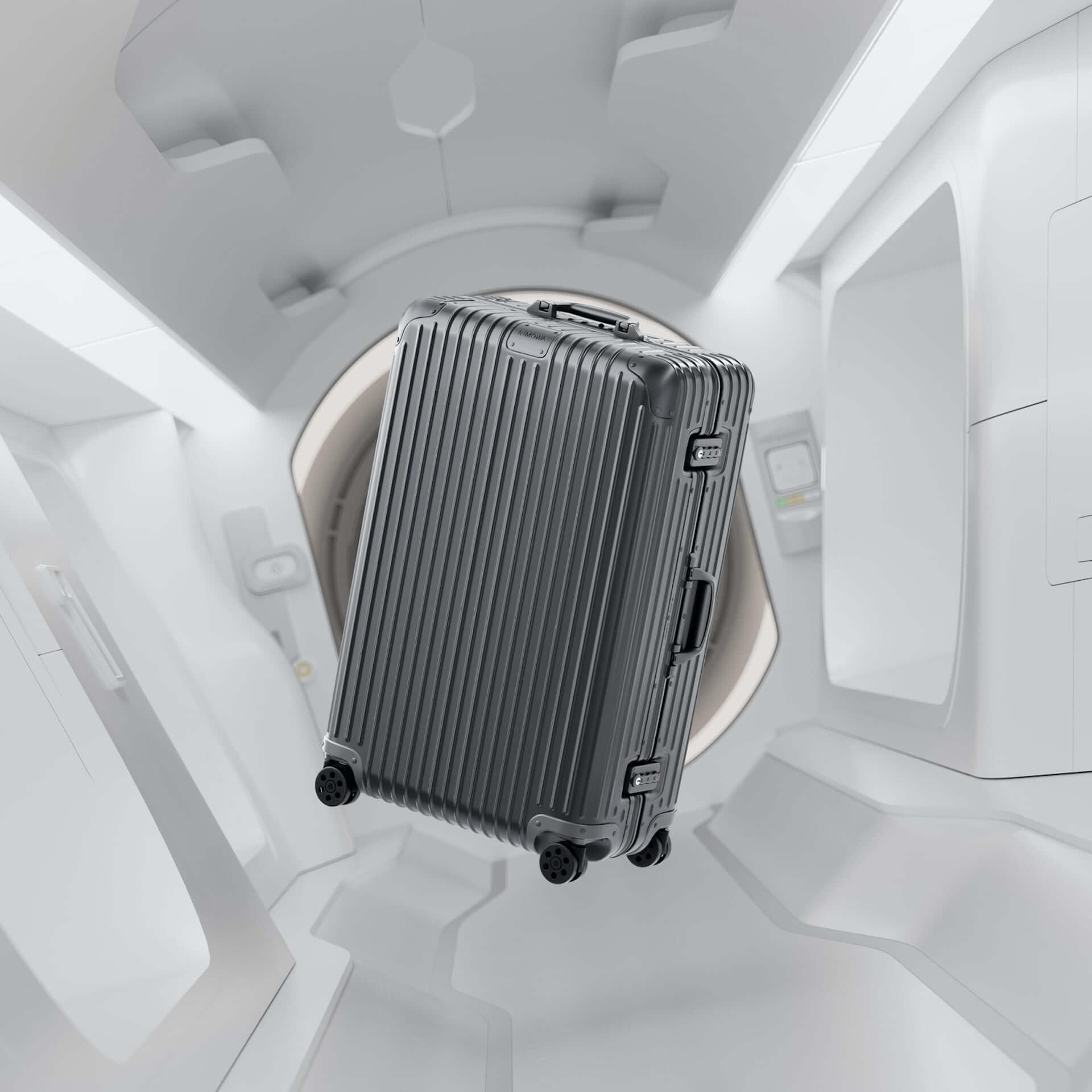 RIMOWAを代表するアルミニウム合金製スーツケースの新色が発売決定!銀河から着想を得たオレンジ、ミディアムグレーが登場 tech210202_rimowa_3-1920x1920
