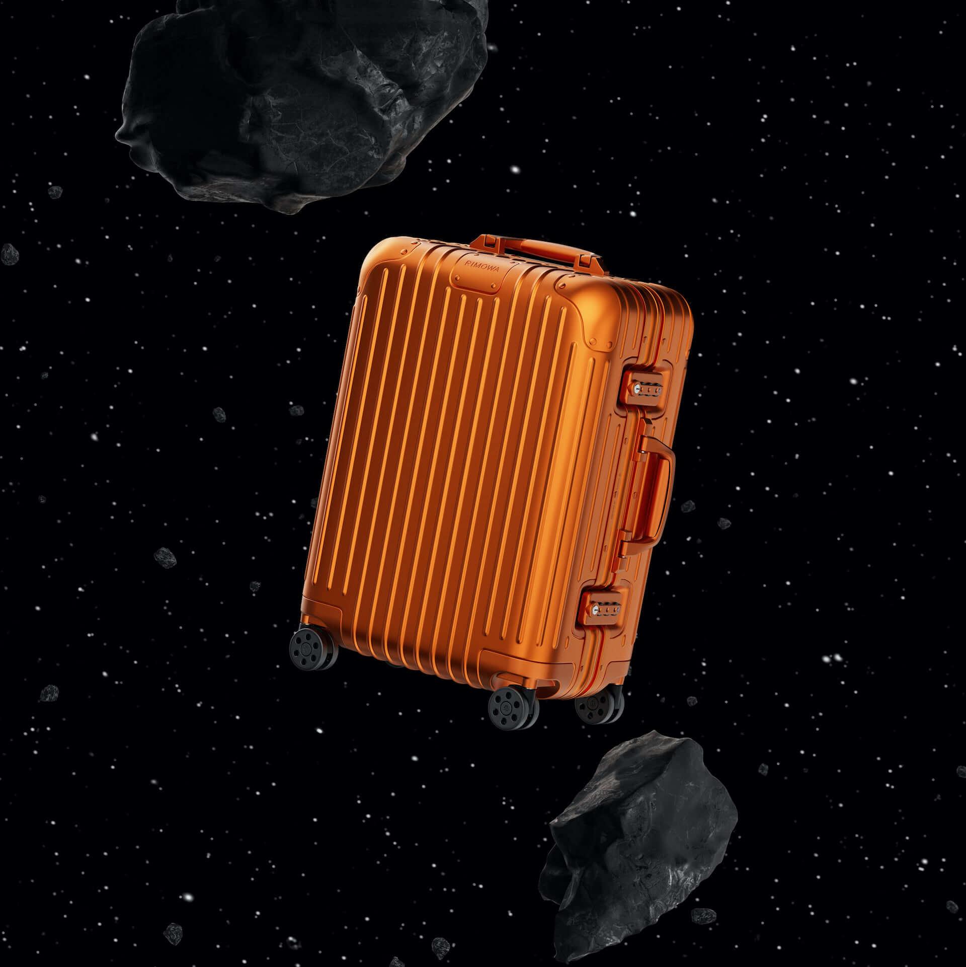 RIMOWAを代表するアルミニウム合金製スーツケースの新色が発売決定!銀河から着想を得たオレンジ、ミディアムグレーが登場 tech210202_rimowa_4-1920x1921
