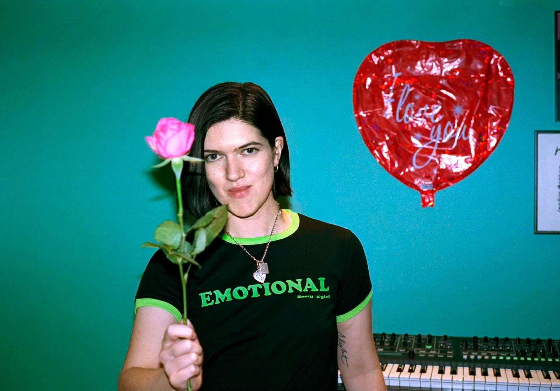 The xxのRomyとX-girlによるコラボアイテム第2弾が発表!本人出演のInstagramライブも実施決定 music210208_romy_9-1920x1339