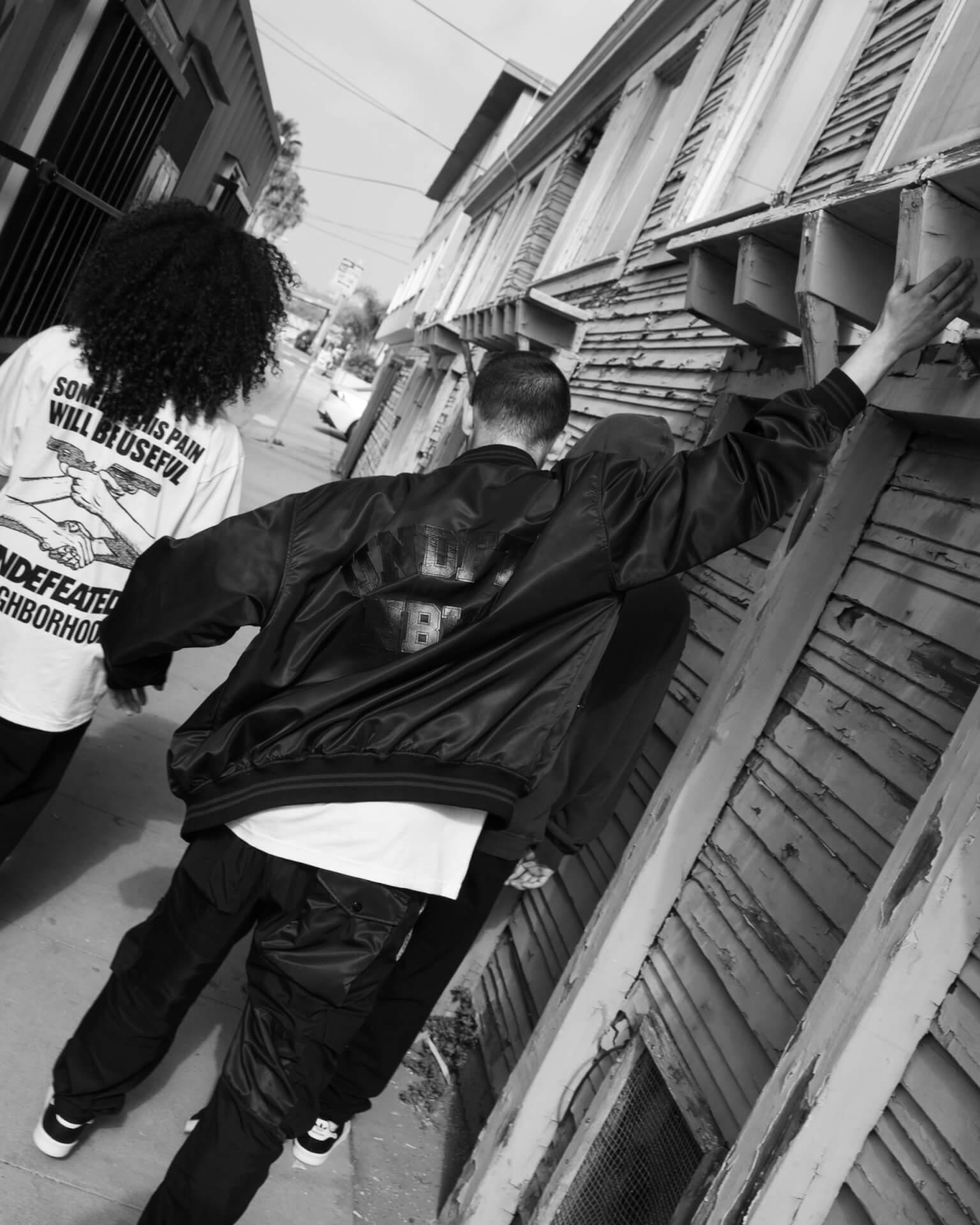 NEIGHBORHOODとUNDEFEATEDのコラボコレクションが今週リリース!社会問題をテーマにしたストリートウェアがラインナップ life210216_neighborhood_undefeted_3