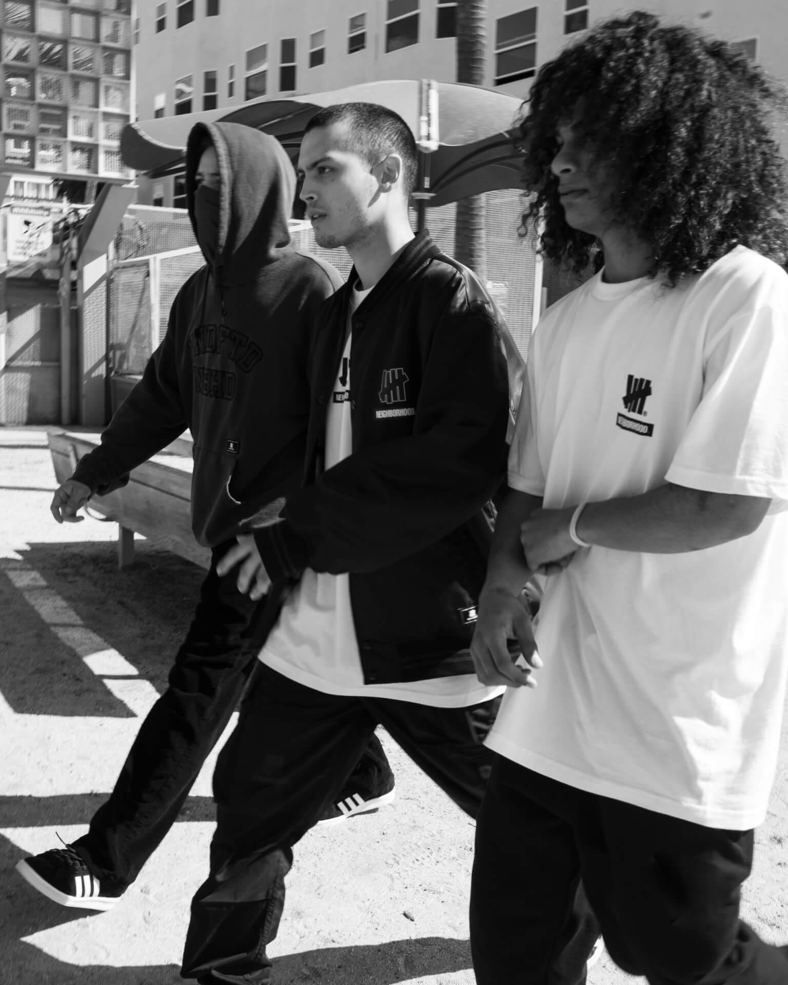 NEIGHBORHOODとUNDEFEATEDのコラボコレクションが今週リリース!社会問題をテーマにしたストリートウェアがラインナップ life210216_neighborhood_undefeted_4