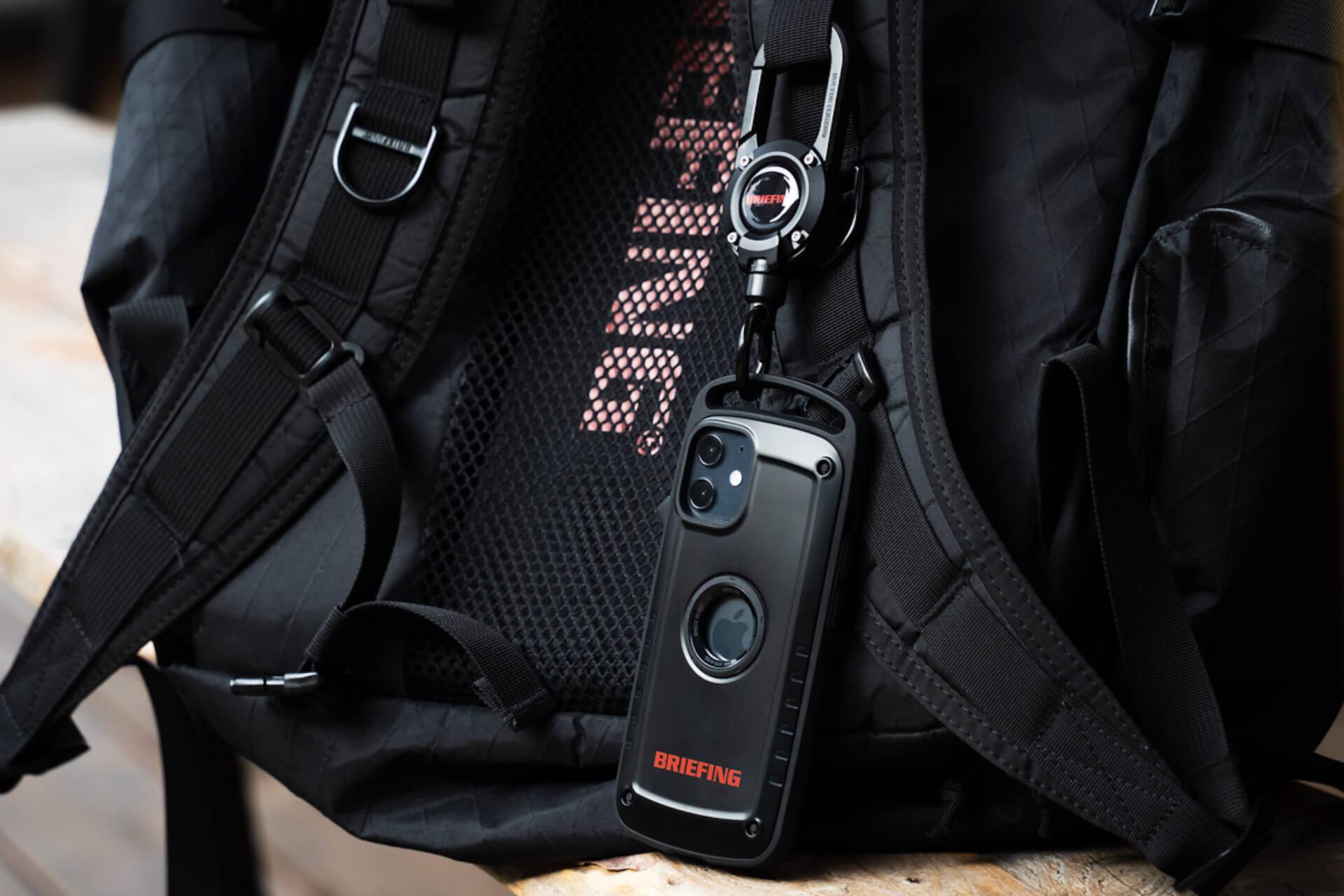 ROOTとBRIEFINGがコラボ!耐性試験に準拠したiPhone 12シリーズ用スマホケース&カラビナ付きキーホルダーが誕生 tech210219_root_briefing_3
