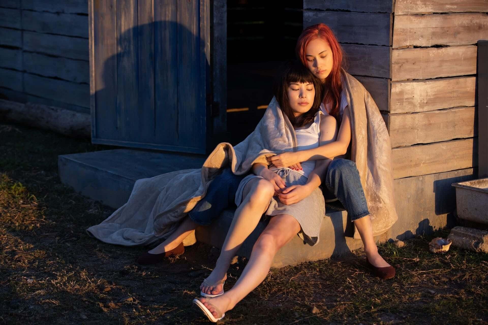 水原希子とさとうほなみ演じる2人の愛の行方とは…Netflix映画『彼女』のティーザー予告編&場面写真が解禁 film210224_netflix-kanojo_4-1920x1280
