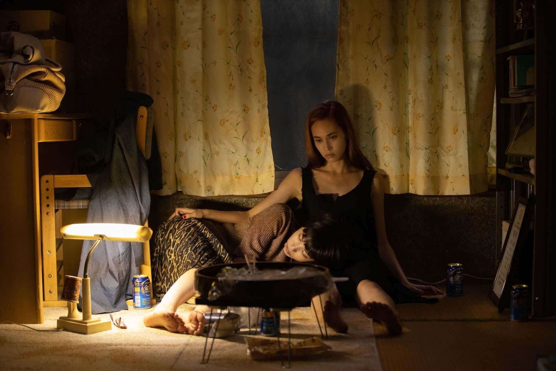 水原希子とさとうほなみ演じる2人の愛の行方とは…Netflix映画『彼女』のティーザー予告編&場面写真が解禁 film210224_netflix-kanojo_6-1920x1280