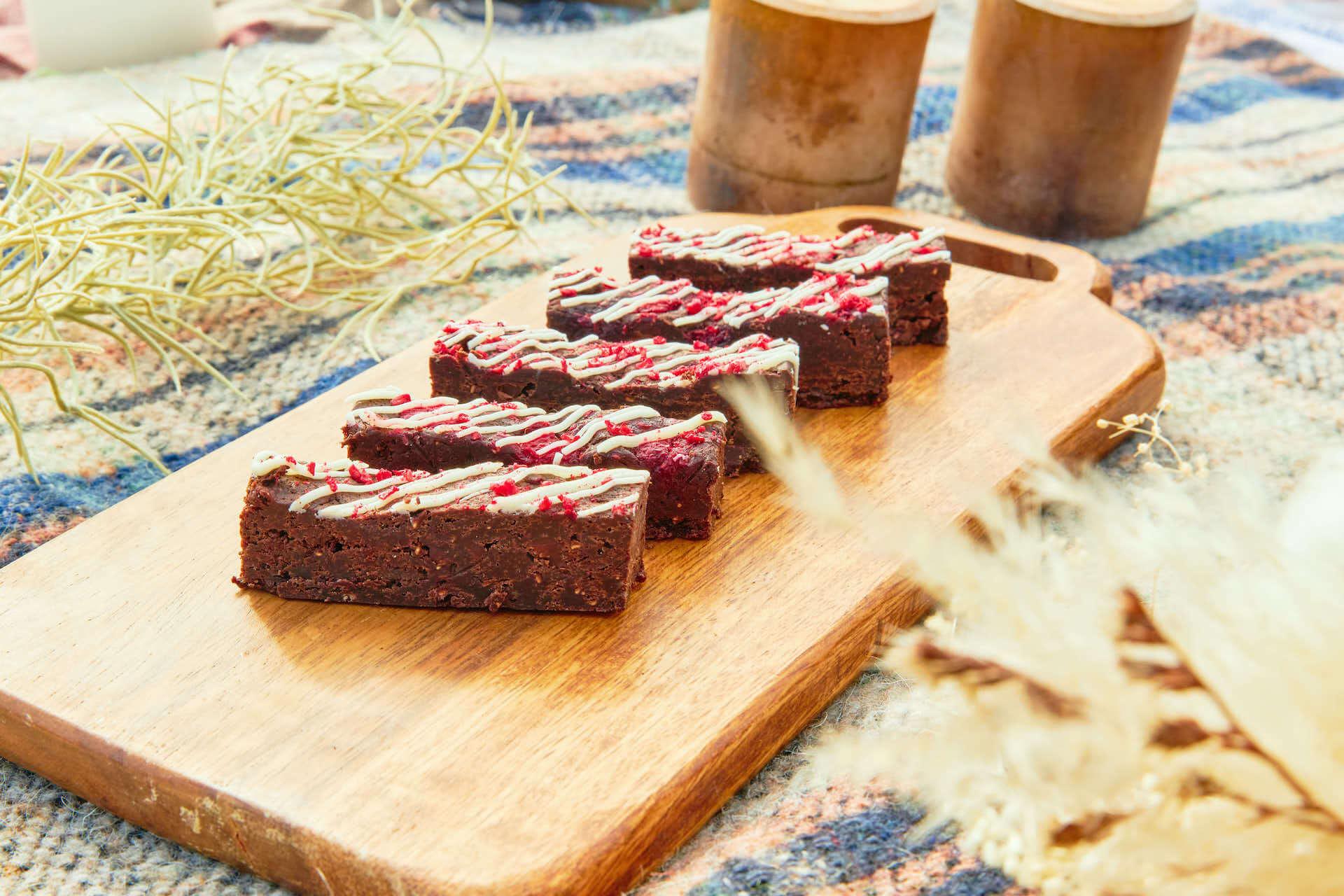 代官山のコーヒーショップ「PELLS」が原宿で新業態「PELLS Flavor car」をスタート!グルテンフリーのブラウニー、ワッフルポップなど販売 gourmet210226_pells_15-1920x1280