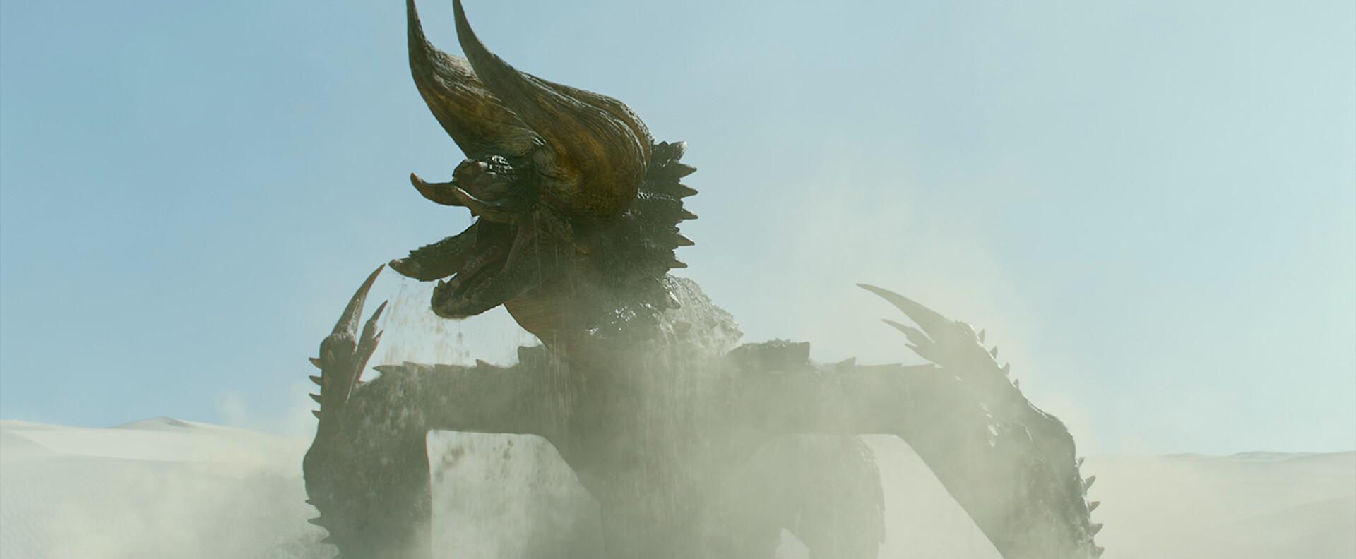 実写とゲームのシンクロに興奮必至!ディアブロス亜種が躍動する『映画 モンスターハンター』の特別映像が解禁 film210301_monsterhunter_3