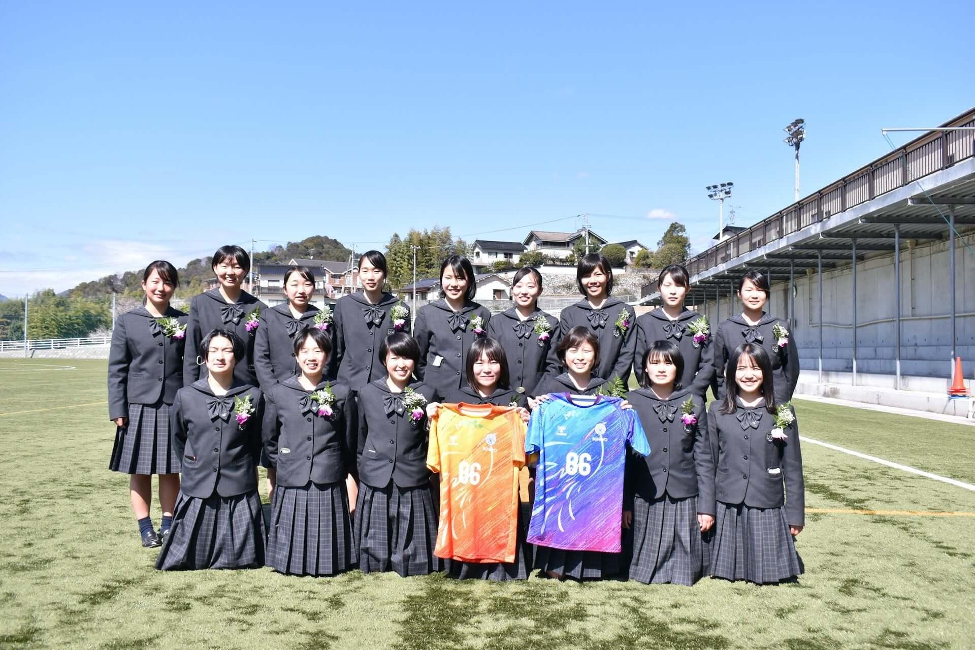 ヒュンメルにて広島文教高校の『ピースユニフォーム』が発売!収益は今夏開催のピースマッチに活用 lf210310_hummel-hbunkyo_2-1920x1280