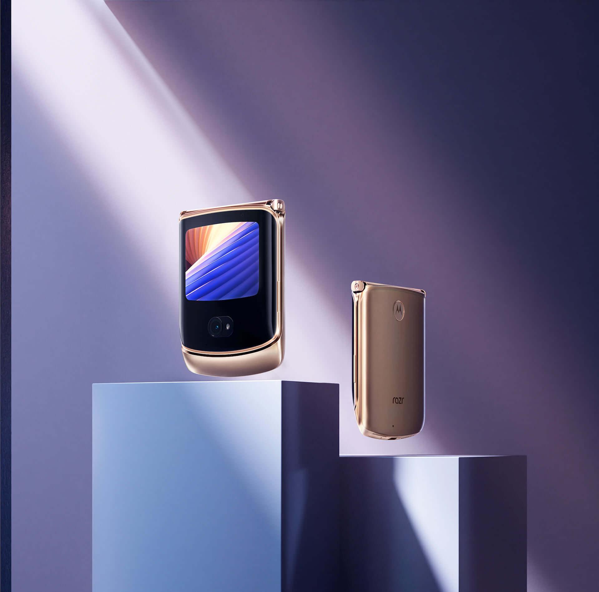 折りたたみ式5G対応スマホ『motorola razr 5G』に限定カラー「Blush Gold」が登場!+Styleにて国内独占販売 tech210319_motorola-razr-5G_1-1920x1898
