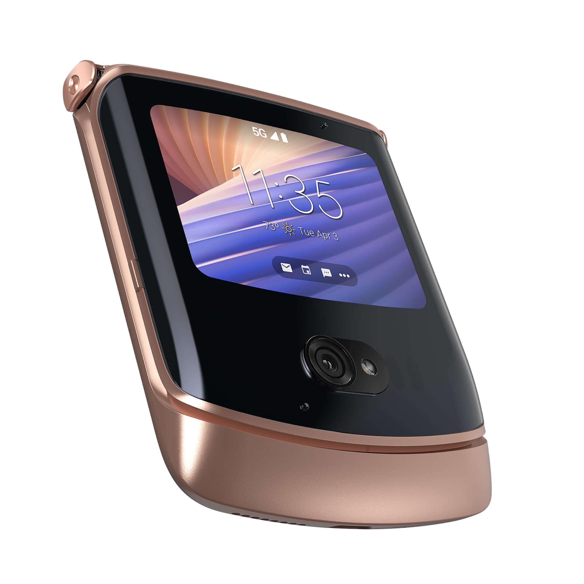 折りたたみ式5G対応スマホ『motorola razr 5G』に限定カラー「Blush Gold」が登場!+Styleにて国内独占販売 tech210319_motorola-razr-5G_2-1920x1920