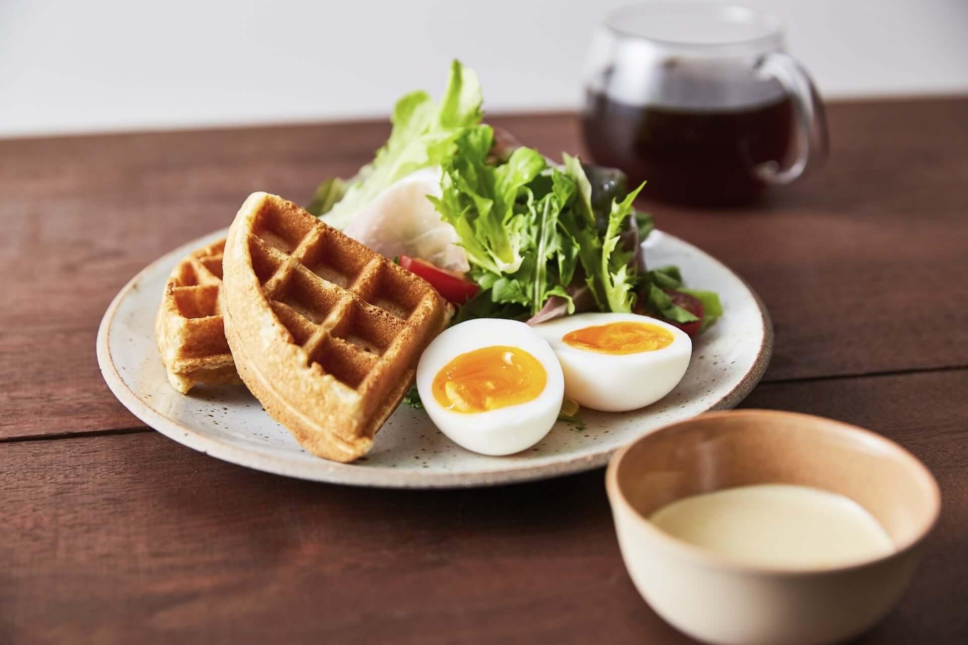ブルーボトルコーヒー初の公園内カフェが渋谷に登場!ナチュラルワイン、ブランチプレートやチーズケーキも提供 gourmet210322_bluebottlecoffee_5-1920x1280