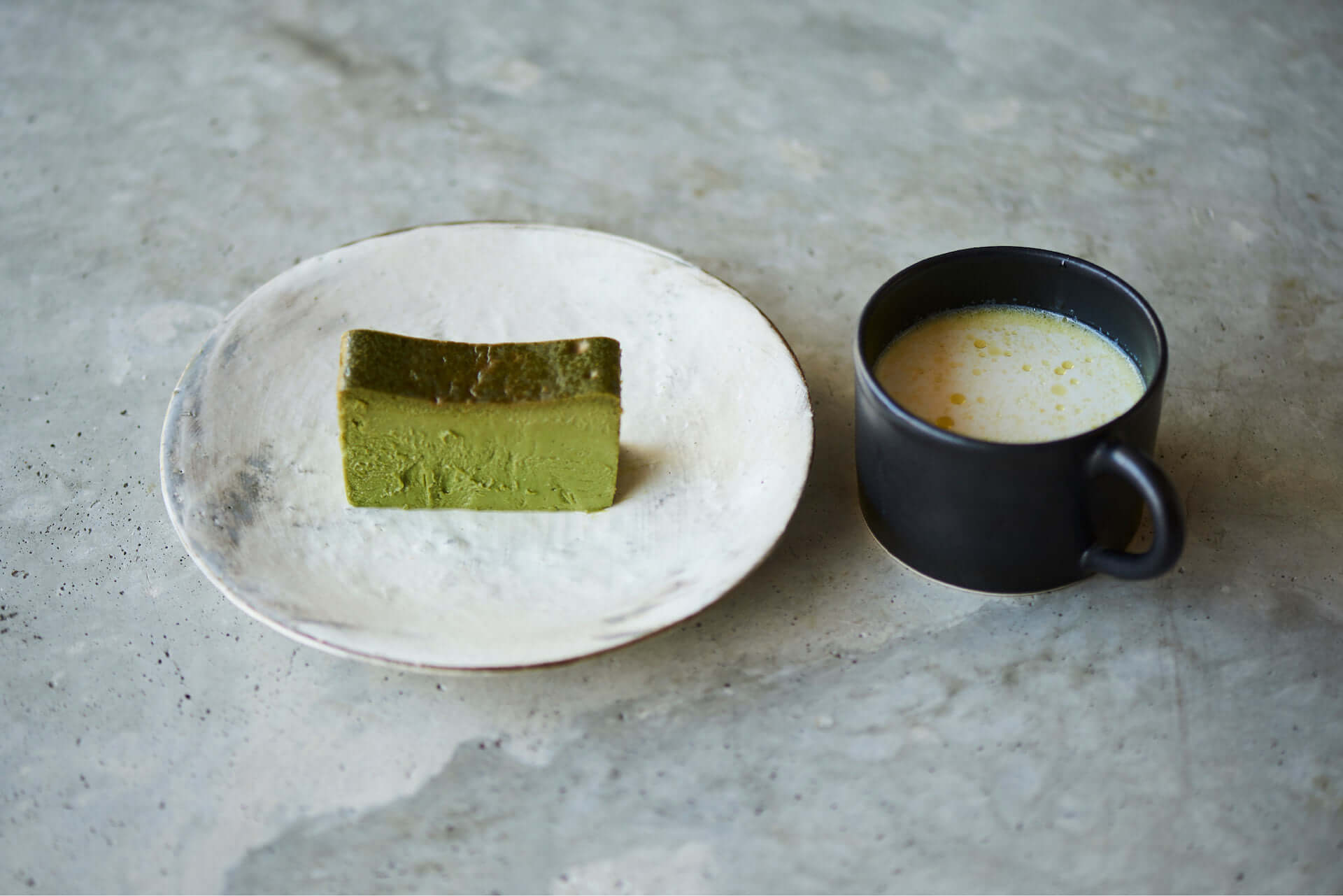 Mr. CHEESECAKE誕生3周年記念!希少な抹茶を使用したチーズケーキ『Mr. CHEESECAKE Oribe』が数量限定で登場 gourmet210322_mrcheesecake-tearoom_11-1920x1281