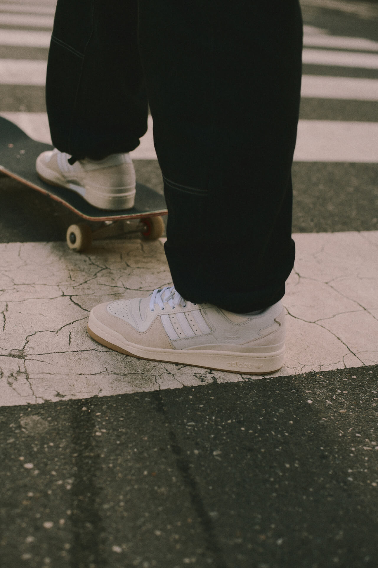 adidas Skateboarding「FORUM 84 ADV」に春夏仕様の新色が登場!チョークホワイト&ブラックの2色 life210324_adidasskateboarding_8