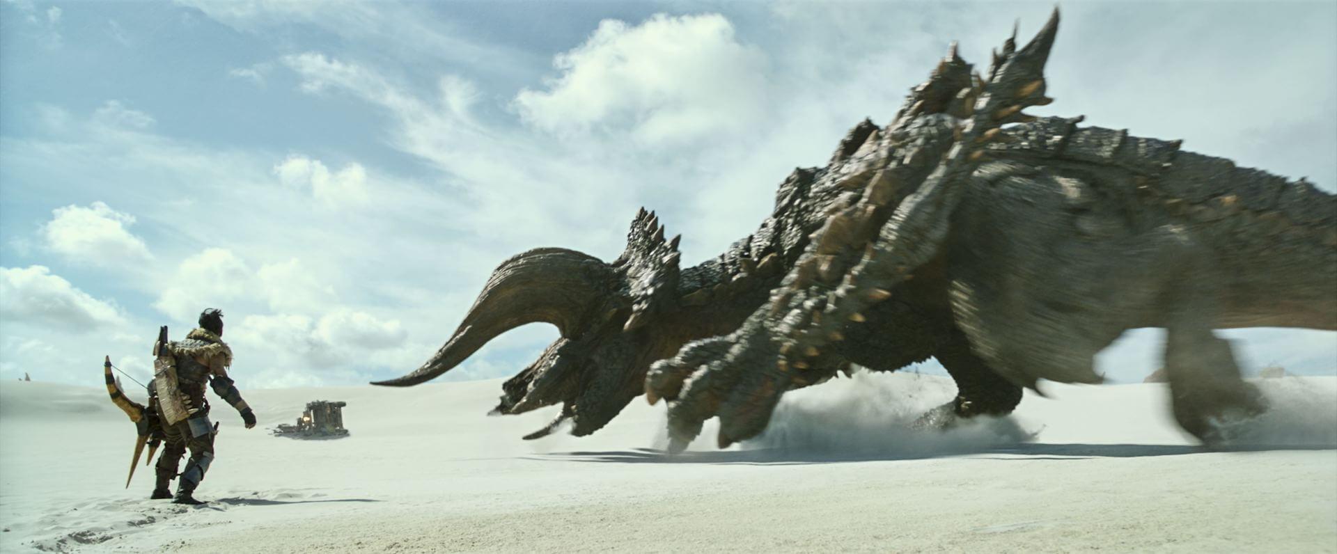 ミラ・ジョヴォヴィッチ&ポール・W・S・アンダーソン監督の『モンハン』愛が炸裂!『映画 モンスターハンター』の特別映像が解禁 film210325_monsterhunter_2