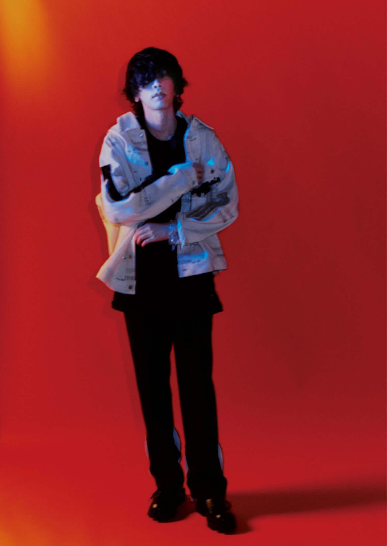 米津玄師が『HIGHSNOBIETY JAPAN』ISSUE06のカバーに登場!16ページに及ぶ大特集を掲載 music210329_yonezukenshi_3-1920x2709