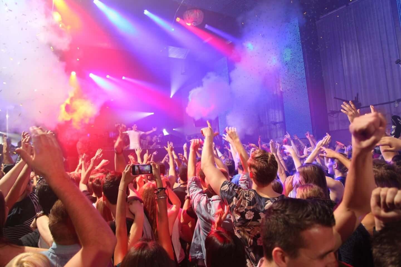 パーティーは伝説ではない、生きる希望なのだ。過去のパーティーレポートともに振り返る最高の瞬間 culture210302_berlin-05-1440x960
